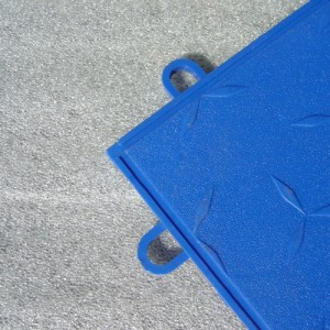 Featherfoam Garage Floor Tile Underlay from Dynotile